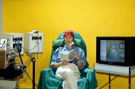 (GERMANY OUT) DEU, Germany, Bonn, The University of Bonn Department of Epileptology, EEG section, measuring with recording on Video    (Photo by Markus Matzel/ullstein bild via Getty Images)